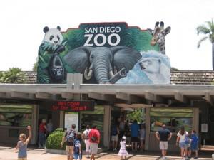 San_Diego_Zoo_entrance_-10July2007